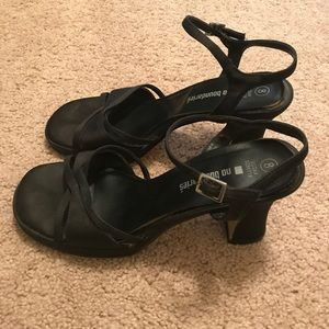 No Boundaries Black Strappy Heels size 8